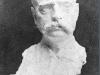 019 Portrait of a waiter. 1905