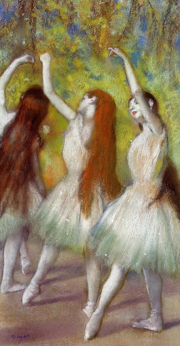 dancers-in-green